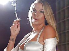Fumar de cadena Danielle maye