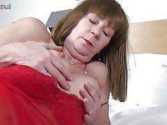 Naughty abuela holandesa con el coño hambriento