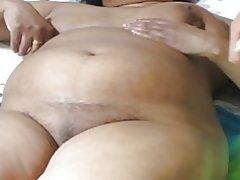 Espesor tía India mostrando