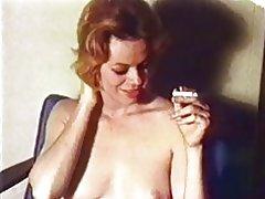 Vengan a mí lentamente - videoclip rubia madura vintage