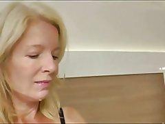Sexo anal milf rubia