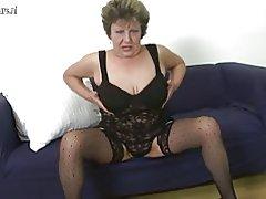 Abuela amateur tetona