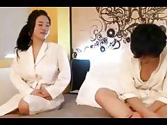 Gloriosa vip coreana tetona en burdel