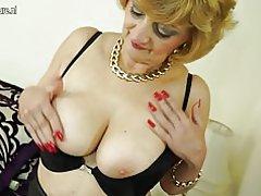 Abuela sexy rizada