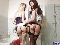 Lesbianas pussylicking maduras en orgasmos medias