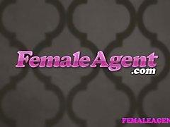 Femaleagent hermosa rubia bisexual seduce cachonda agente