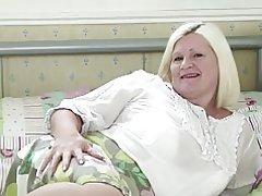 La abuela real hace su primer porno video