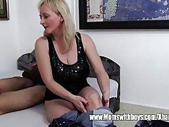 Stepmom exige anal de hijo no perezoso y se pone
