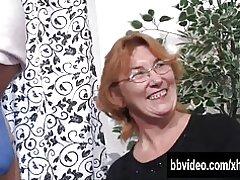 BI escorias alemanas masturbándose en trío