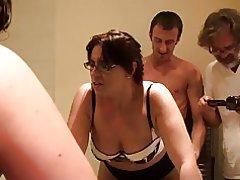 Porno Virgen ámbar: directamente por su culo, sin lubricante