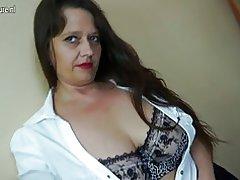 Sexy madre madura con vagina peluda