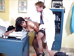 Meximilf gabby quinteros es una mierda folla a su doctor!