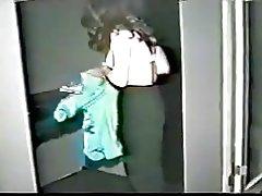 Mujer asiática llevó ducha luego masturbado (incompleto)