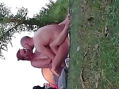 Sexo pareja amateur en la playa desnuda
