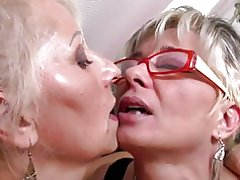 Perfectas madres Maduritas trío lesbiana