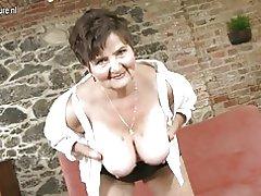 Abuela grande con hambre vagina peluda